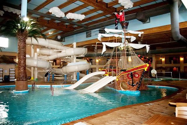 Welcome to the Ramada Tropics Resort & Conference Center, one of the best Des Moines hotels and the only one with an indoor water park. Home to thriving cultural, historical and business districts, Des Moines is the perfect travel destination for family and business travelers alike.
