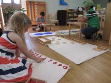 Sayre Montessori School: Montessori vs. Traditional Education