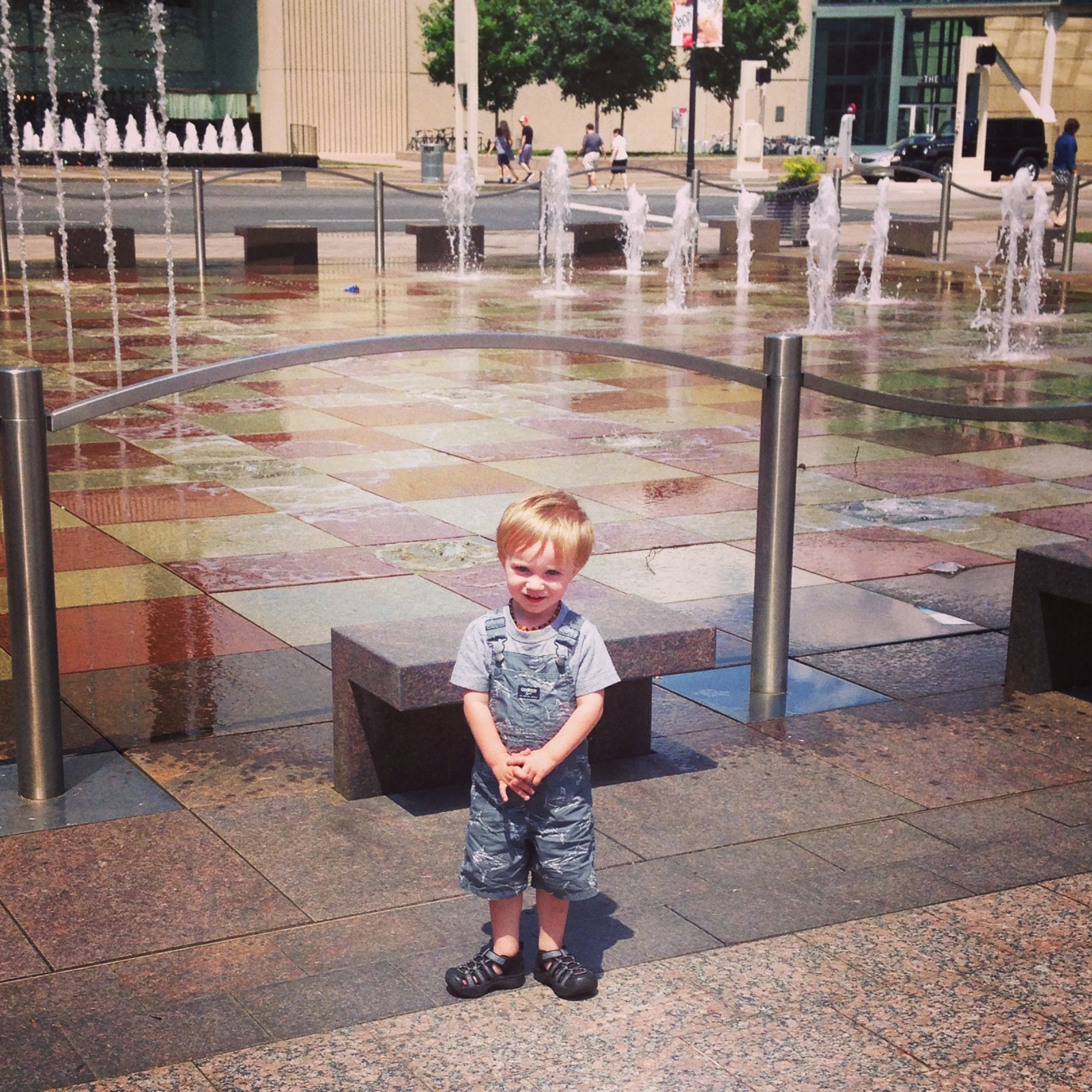 Crown Center, water fountains, Kansas City