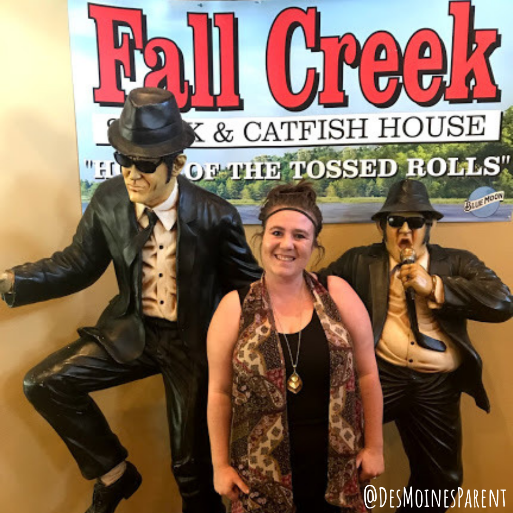 Fall Creek Steak & Catfish House home of the tossed rolls located in Branson, Missouri.