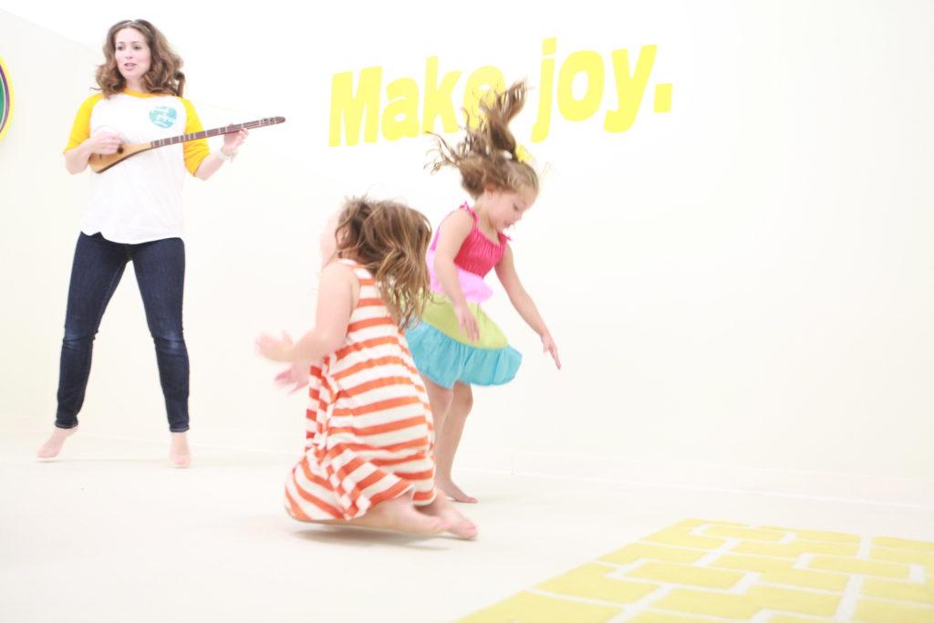 Des Moines Parent Spotlight, Des Moines, Iowa Jenn Horak-Hult, Pied Piper Studios, Kindermusik