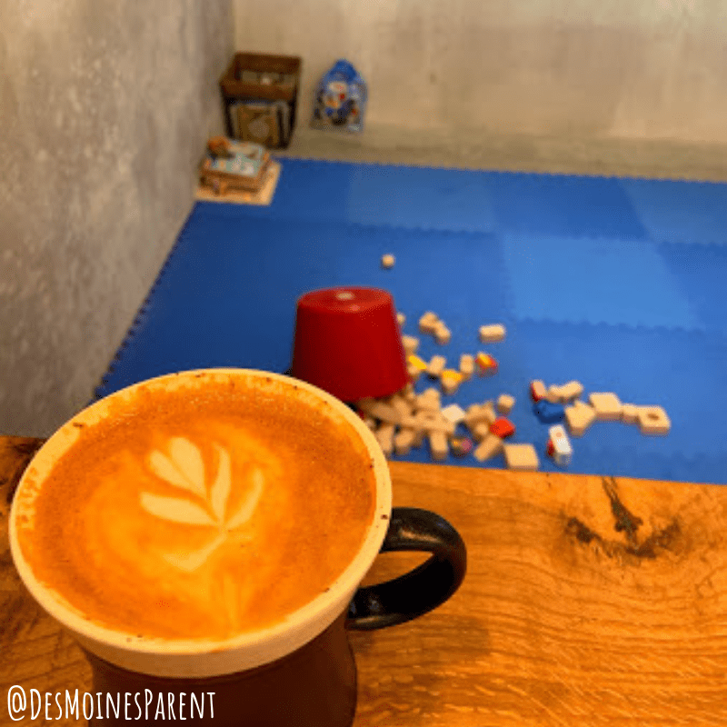 coffee shops in Des Moines, Iowa including DreiBerge Coffee.