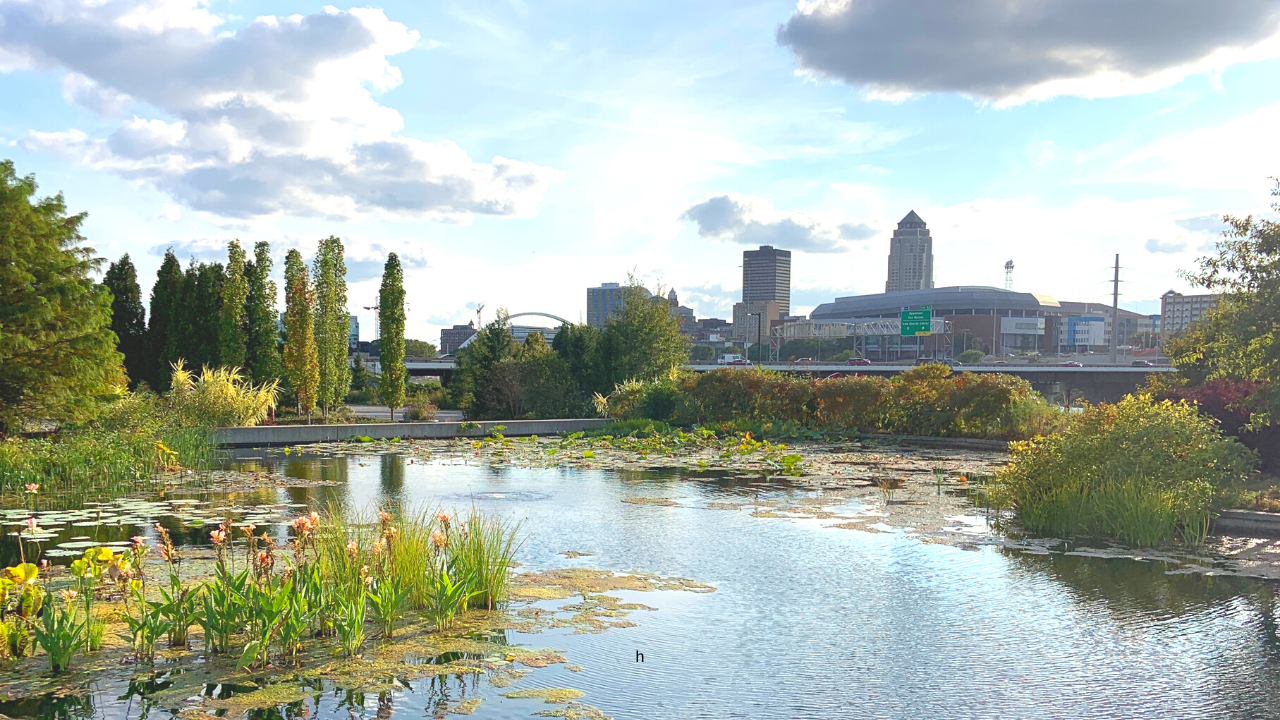 Experience Des Moines while Supporting Small Businesses